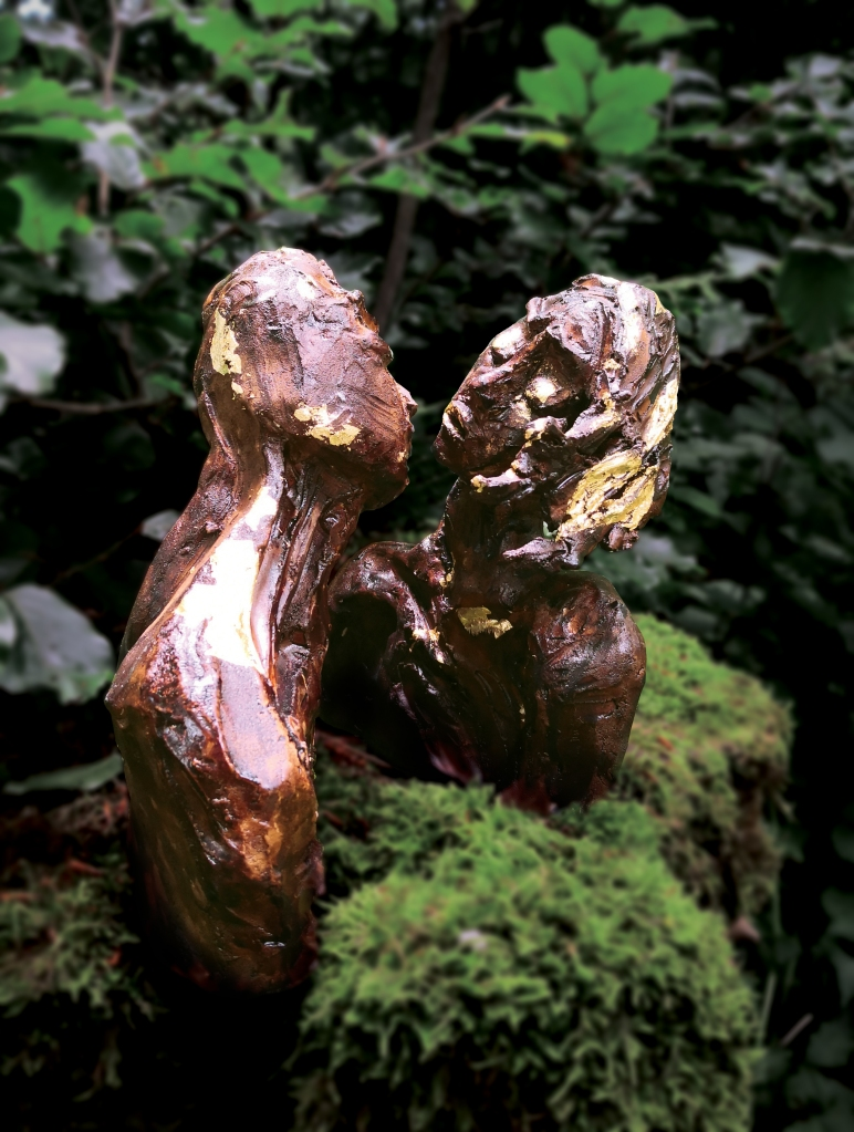 THE KISS, sculpture by Cathy Yersin